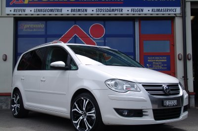 VW Touran, 18Zoll Barracuda Tsunamee mit weissem Colorface
